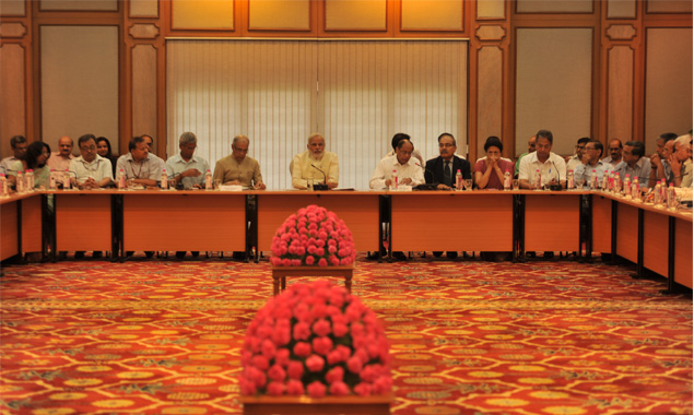 Narendra Modi chairs the June 4 Meeting of Secretaries.  New Delhi.  Photo source www.pmindia.nic.in